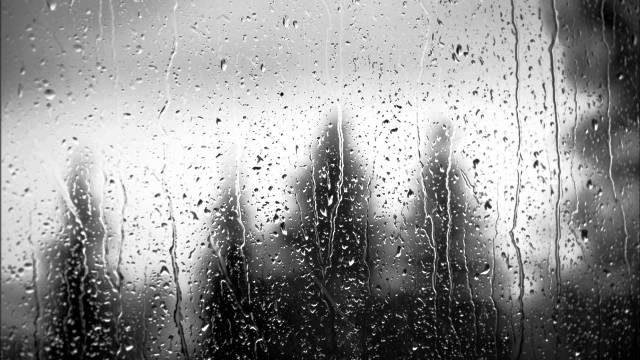 Chùm thơ về mưa tình yêu nhẹ nhàng, lãng mạn và cô đơn nhất