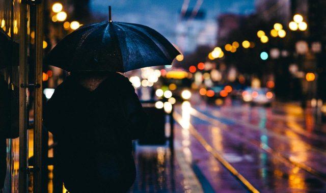 1001 bài thơ tình cuối mùa thu pha lẫn chút xót xa nghẹn ngào