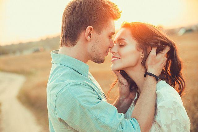 Thơ hay tháng 8 - Chùm thơ tình lãng mạn ngọt ngào khi thu sang