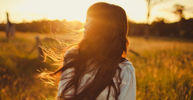 Tuyển tập thơ tình yêu buồn 2 câu hay nhất cho người tâm trạng
