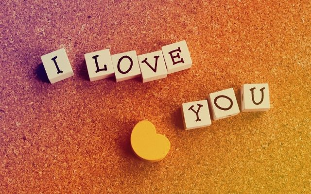 Những bài thơ anh yêu em tình cảm, lãng mạn và hài hước nhất
