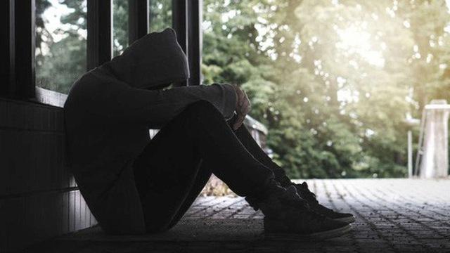 1001 bài thơ một mình cô đơn hay nhất mà bạn nên đọc